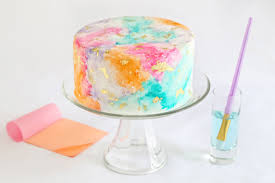 how to make a gilded watercolor cake that will majorly impress