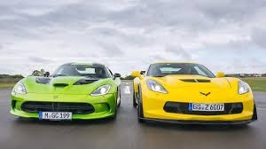 corvette vs viper duelo radical dodge srt viper vs chevrolet corvette z06