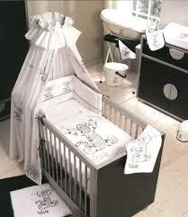 chambre mickey bébé parure de lit winnie l ourson pour bebe listedenoel info