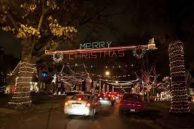 holiday lights st louis st louis hills holiday light display keeps growing and glowing