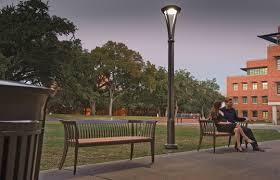 reverbere en fonte lampadaire urbain contemporain en métal à led concord