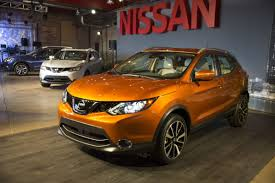 nissan rogue us news 2017 nissan rogue sport takes stage naias detroit