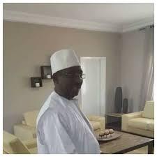 bureau du chef haut représentant du chef de l etat voici le bureau de sidya touré