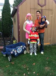 Halloween Costume Themes For Families by Cat In The Hat Family Costumes Halloween Parties Dads And Cat