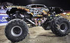 bigfoot monster truck history image spitfirephoto jpg monster trucks wiki fandom powered
