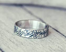 organic raw stone handmade rings and jewelry by mismundos