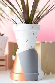 decoration avec des pots en terre cuite les 25 meilleures idées de la catégorie pots de fleurs sur