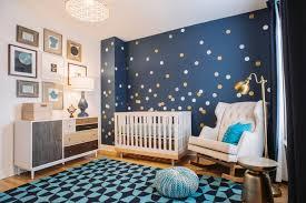 la chambre blue décoration chambre bébé en 30 idées créatives pour les murs