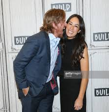 build presents chip u0026 joanna gaines discussing their book