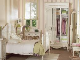 bedroom shabby chic rooms decorated coverlets and bedspreads