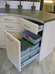 meuble poubelle cuisine meuble cache poubelle cuisine excellent nos astuces de rangement et