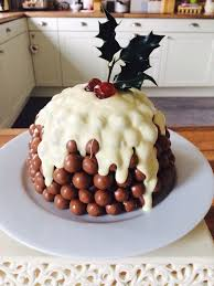 This Malted Milk Ball Cake Is A Christmas Dream Come True Malteser