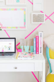 College Desk Accessories Best 25 Dorm Desk Decor Ideas On Pinterest Dorm Desk Easy Diy
