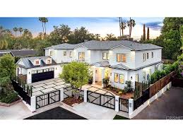 Home Articles by Eva Mendes Lists Hollywood Starter Home She Owns With Her Ex For