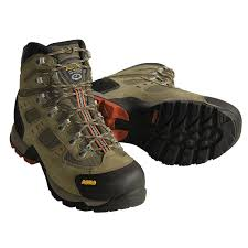 want light stiff soled boots without goretex gear