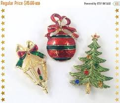 colorful vintage holiday brooch lot red u0026 green enamel brooches