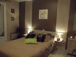 chambre noir et vert chambre peinture decoration taupe et blanc beige bois diy tete lit