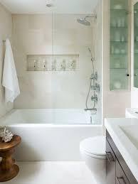 badezimmer auf kleinem raum die besten 25 badezimmer vergrößern ideen auf
