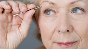 How To Tweeze Your Eyebrows Makeup For Older Women How To Deal With Uneven Eyebrows
