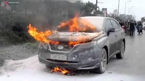 xe lexus dat tien nhat bến xe khách cháy xe lexus tiền tỷ gần bến xe yên nghĩa
