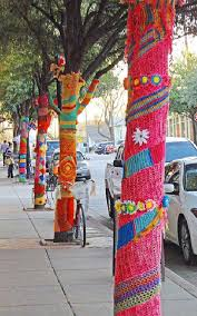 yarn bombing in fairhope leslie tarabella