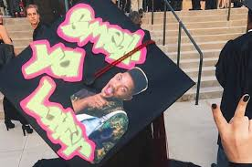 custom graduation caps ingenious ways to decorate your graduation cap