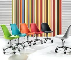 bureau coloré chaise coloree pas cher chaise de bureau design a roulettes colorace