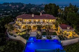 airbnb mansion los angeles if you re reading this it s too late drake s la airbnb has stolen