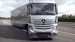 mercedes truck and 2012 mercedes aerodynamics truck and trailer