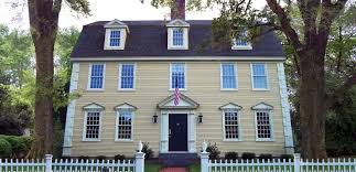 Dutch Colonial House Style by The Gambrel Colonial Exterior Trim And Siding The