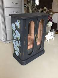 Shabby Chic Jewelry Armoire by Best 25 Musical Jewelry Box Ideas Only On Pinterest Christmas