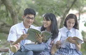 film cinta anak sekolah 8 film indonesia ini menunjukkan masa masa sma yang enggak