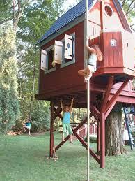 cool tree house best 25 treehouse ideas ideas on backyard treehouse