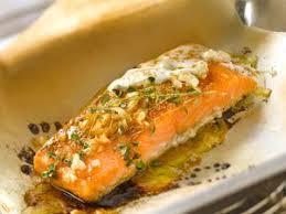 comment cuisiner du saumon surgelé saumon surgelé en papillote facile et pas cher recette sur