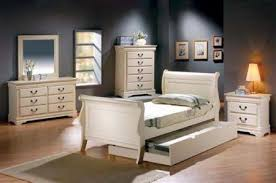 Louis Philippe Sleigh Bed 4 Piece Louis Philippe Youth Bedroom Set In Creamy Antique White
