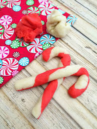 our five favorite holiday crafts for kids momtrends