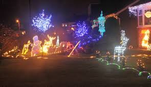 drive by christmas lights warwick drive christmas lights hazel grove manchester evening news