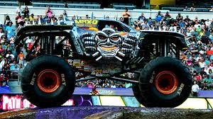 monster truck racing uk monster truck lands double backflip at gillette stadium toronto star