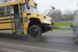 bus car crash head on in oregon and leave 3 injured the