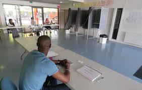 bureau de vote législatives en essonne à grigny des bureaux de vote vides et des