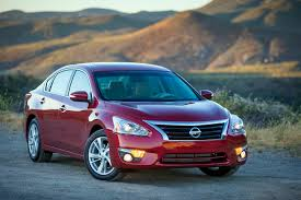 nissan altima reviews 2016 2015 nissan altima features review the car connection