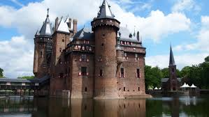 European Castles A Collection Of The Greatest Castles From All