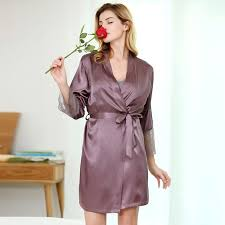 peignoir de chambre femme robe de chambre satin violet pour femme femme mode shopping