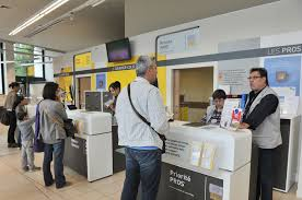 la poste bureau de poste la transition numérique la drh de la poste mise sur un aller simple