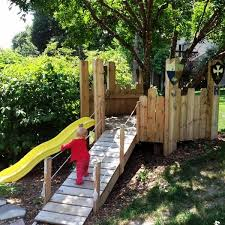 diy build your a play castle tree houses castles and plays