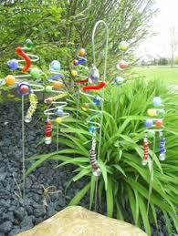 Outdoor Garden Crafts - how to make giant garden art alliums easy garden allium and
