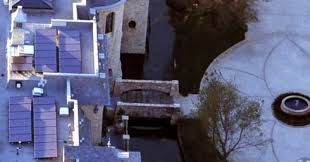 tom brady u0027s new house literally has a moat