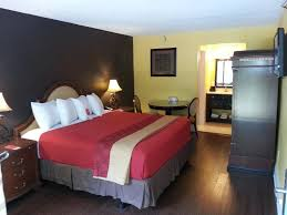 Bedroom Furniture Fayetteville Nc by Days Inn Fayetteville Nc Booking Com