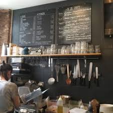 sur la table reviews les coudes sur la table 92 photos 39 reviews salad 39 rue