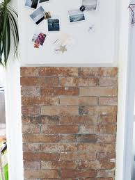 panneau fausse brique mettre de la brique dans son entrée avec lapeyre lili in wonderland